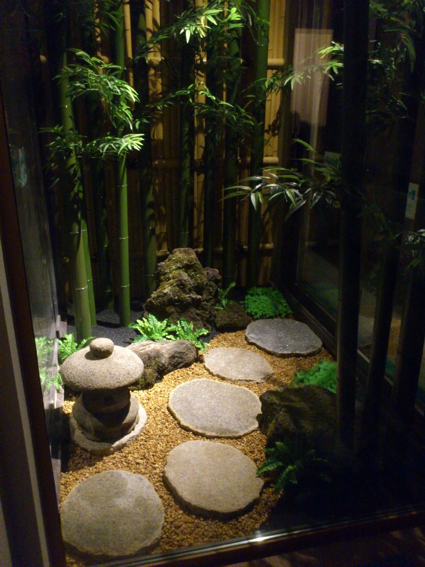 charming zen garden | Japanese Oriental Style Garden For Beautiful And Charming ...